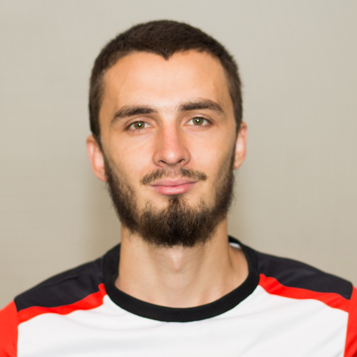 Закончил Академию Чертаново  Тренерский стаж 4 года. Тренерская лицензия категории С ( УЕФА)