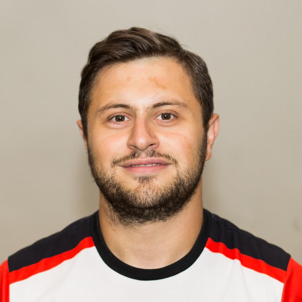 Воспитанник академии Чертаново.  Тренерский стаж 2 года. Тренерская лицензия категории С (УЕФА)